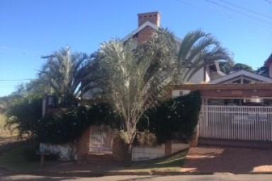 linda casa a venda na colina verde